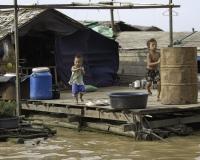 Villaggio flottante di Chong  Kneas sul Lago Tonle Sap Cambogia / Foto n. 0043
