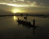 Pinassa in navigazione a Djenne / Foto n. 0409