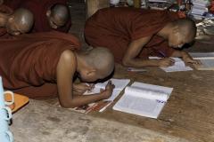 Monasteri e monaci in Myanmar 2012